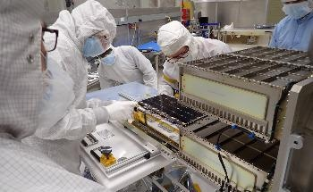 CUTE: Characterizing Exoplanet Atmospheres with CubeSats